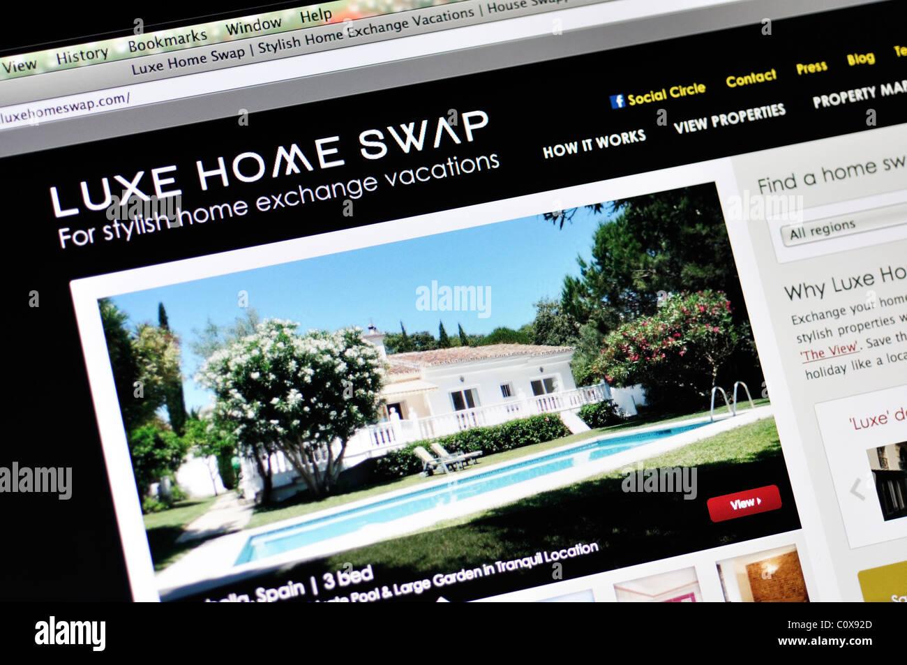 Luxury Home Swap Website   Stock Image