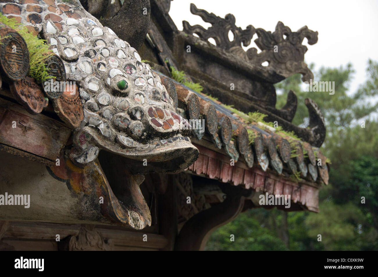 Asia, Vietnam, Da Nang. Old imperial capital city of Hue. Emperor Tu Duc's Tomb complex, roof detail. - Stock Image