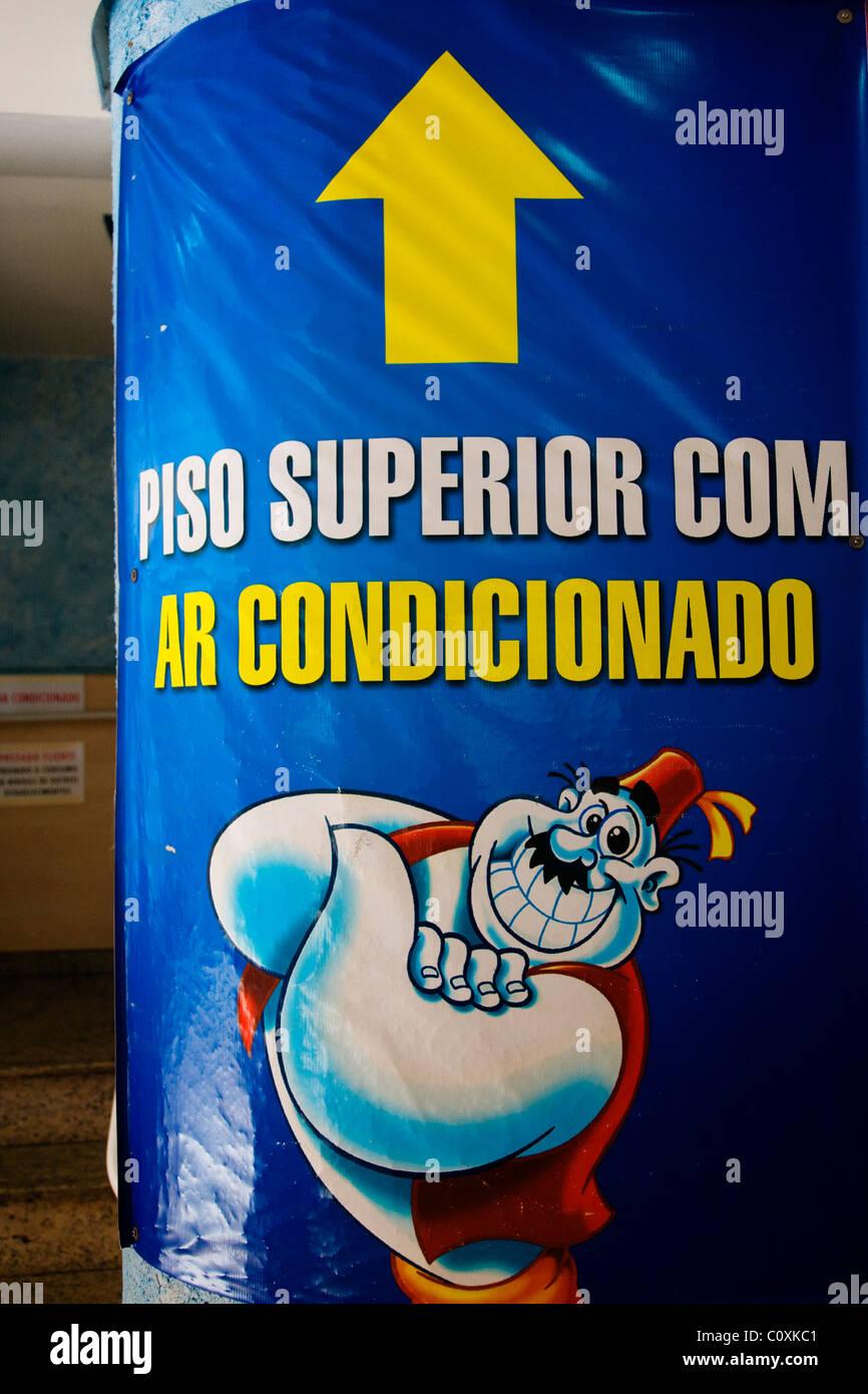 Habib's Fast Food Restaurant in Belo Horizonte, Minas Gerais, Brazil and popular throughout Brazil. - Stock Image