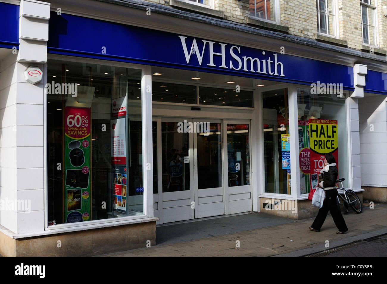 WH Smith Newsagents, Market Street, Cambridge, England, UK - Stock Image