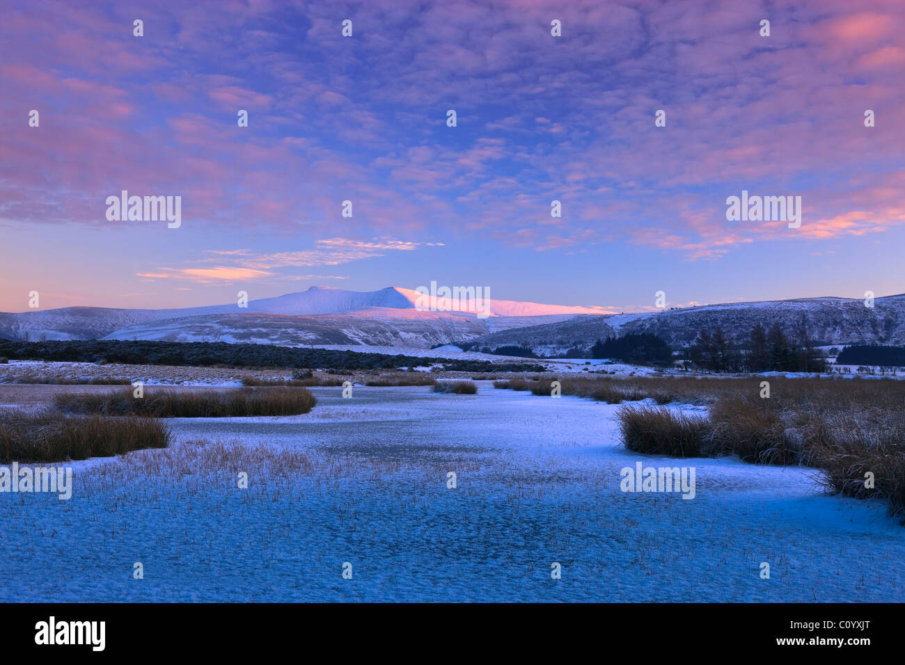 Pen y Fan & Corn Du mountains Mynydd Illtyd Common Brecon Beacons Powys Wales in winter - Stock Image