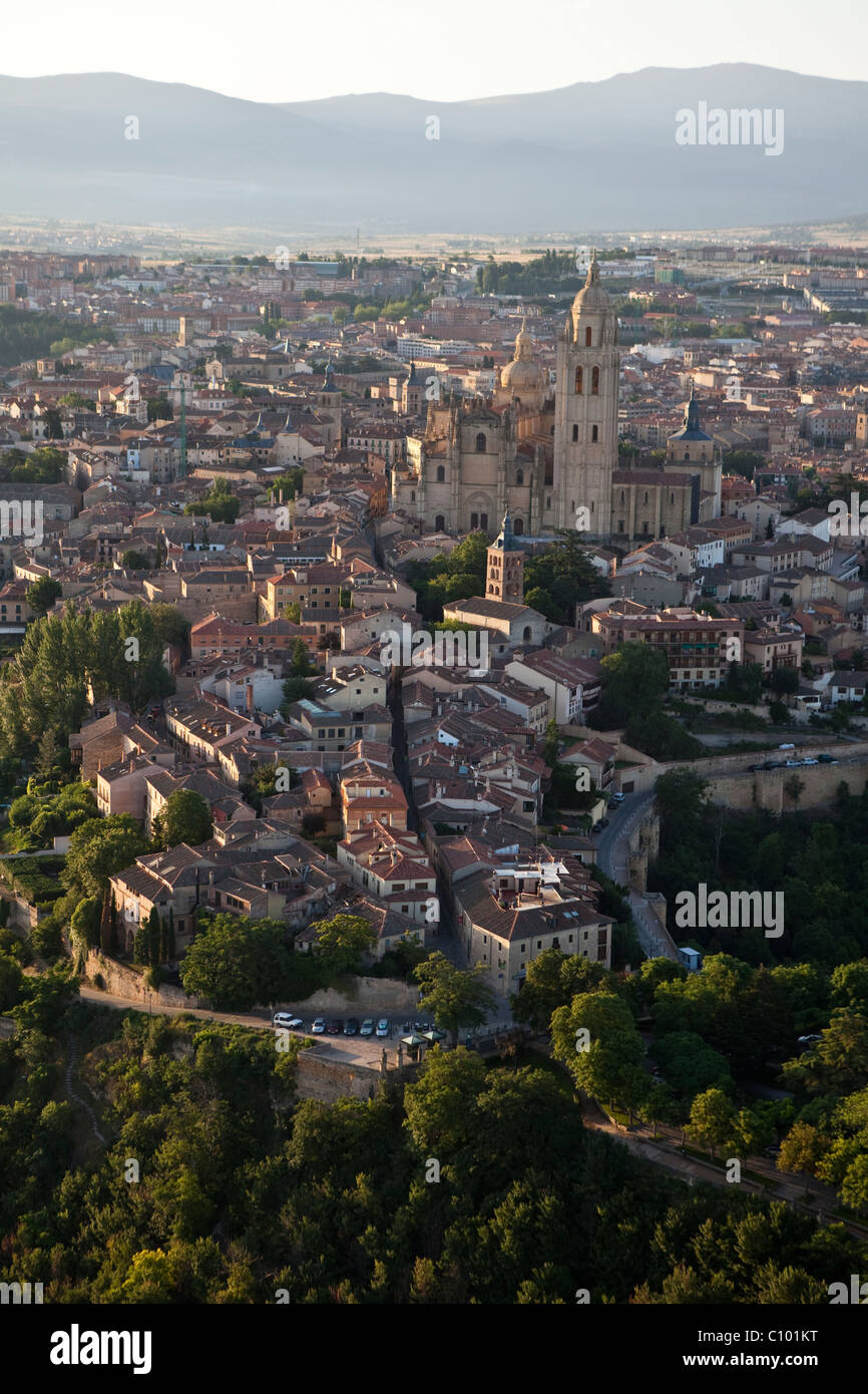 Aerial view of the Cathedral and city of Segovia (Spain) - Stock Image