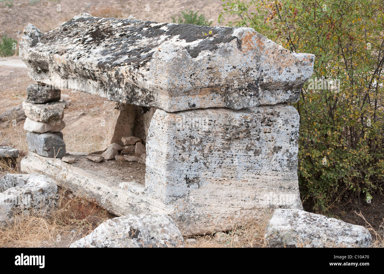 An ancient tomb in the Necropolis of Hierapolis - Stock Image