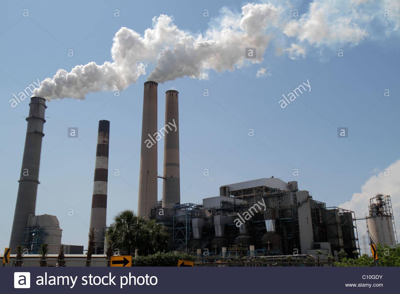 Tampa Florida Tampa Electric Co TECO smokestacks pollution - Stock Image