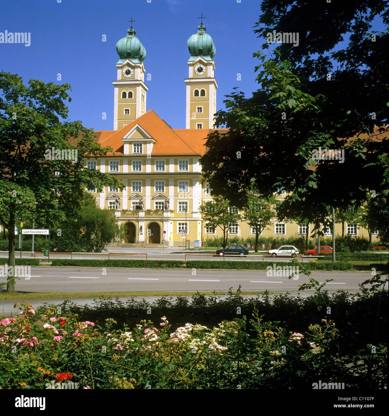 Altenheim St. Josef nursing home, Luise-Kisselbach-Platz square, Munich, Upper Bavaria, Germany, Europe Stock Photo