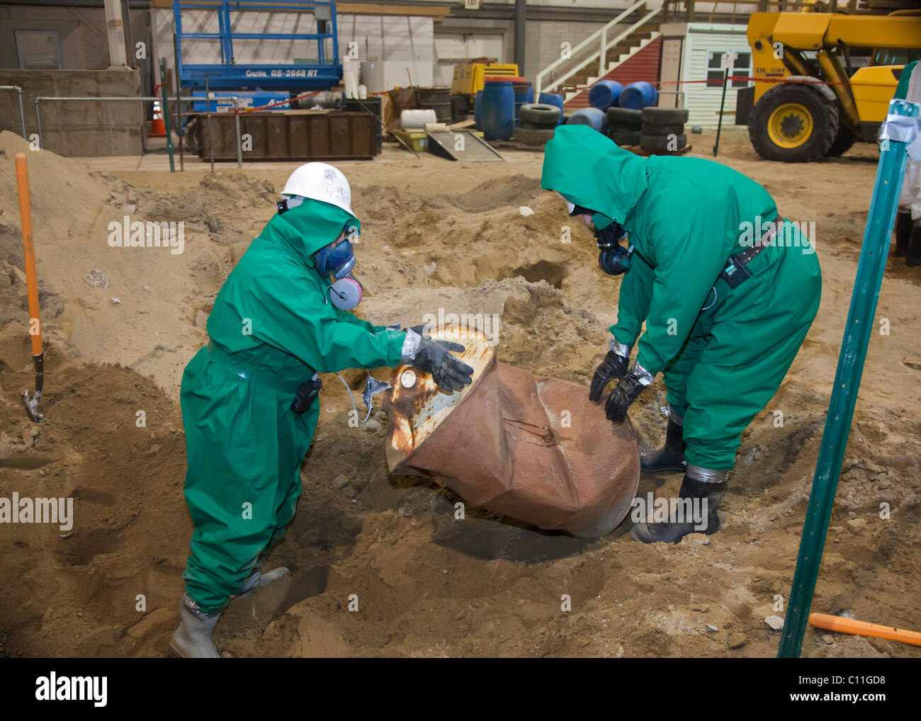 Job Corps Trainees Learn Hazardous Waste Cleanup - Stock Image