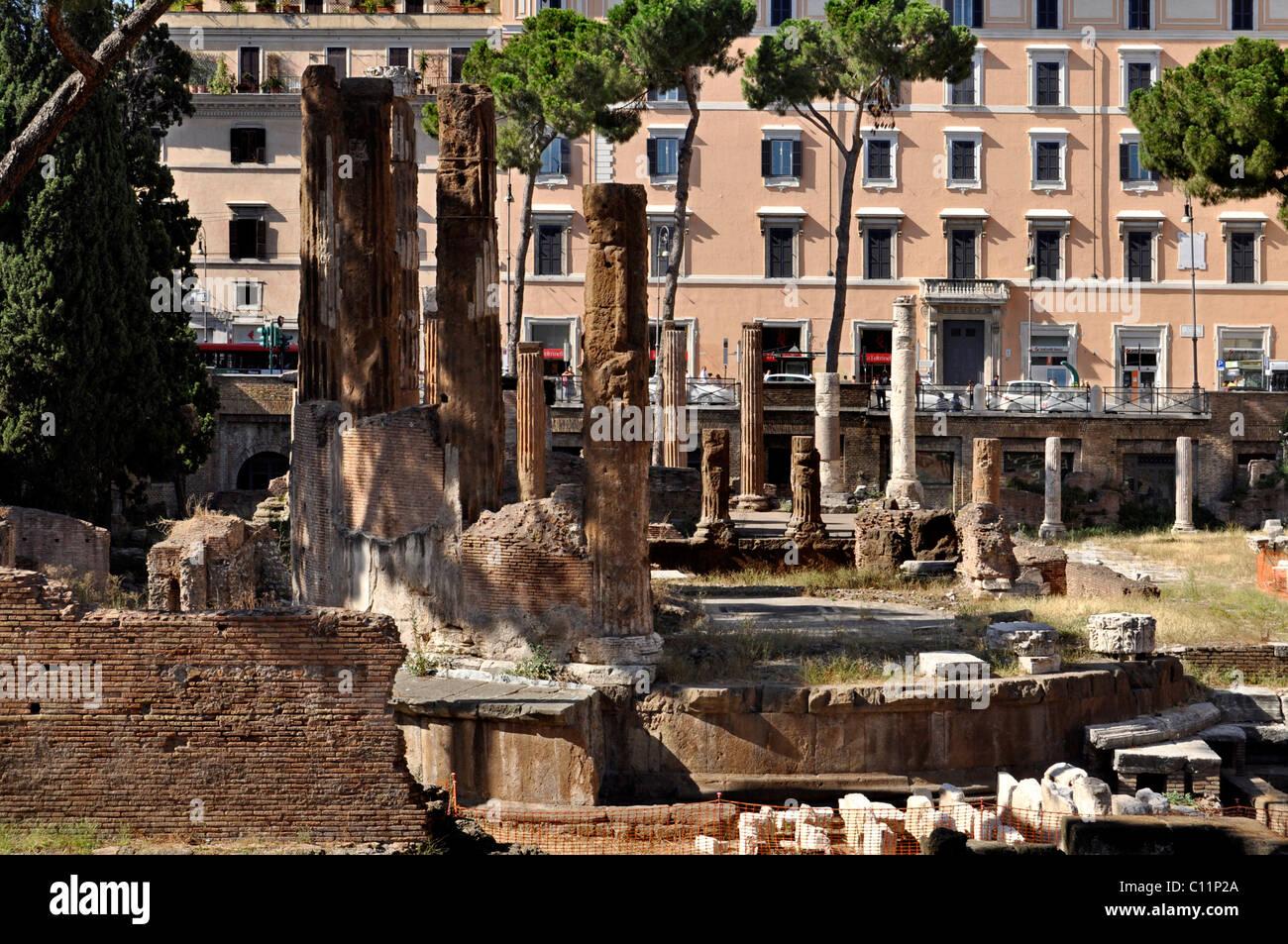 Ancient round temple, Area Sacra Argentina, Largo Torre Argentina square, Rome, Lazio, Italy, Europe - Stock Image