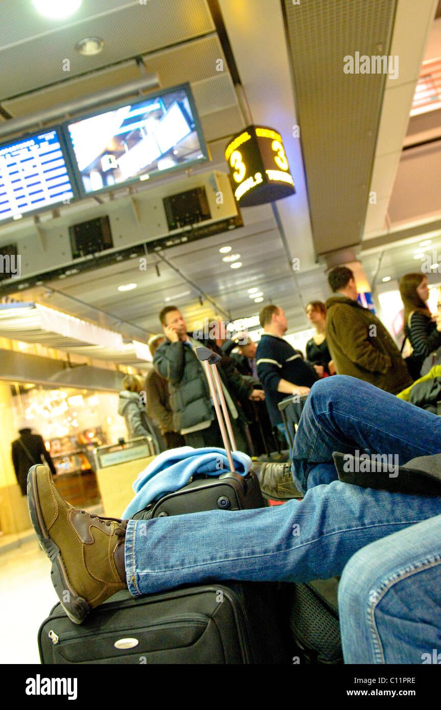 Waiting passengers at the Stuttgart airport, the runway was blocked off afer an accident, Stuttgart, Baden-Wuerttemberg Stock Photo