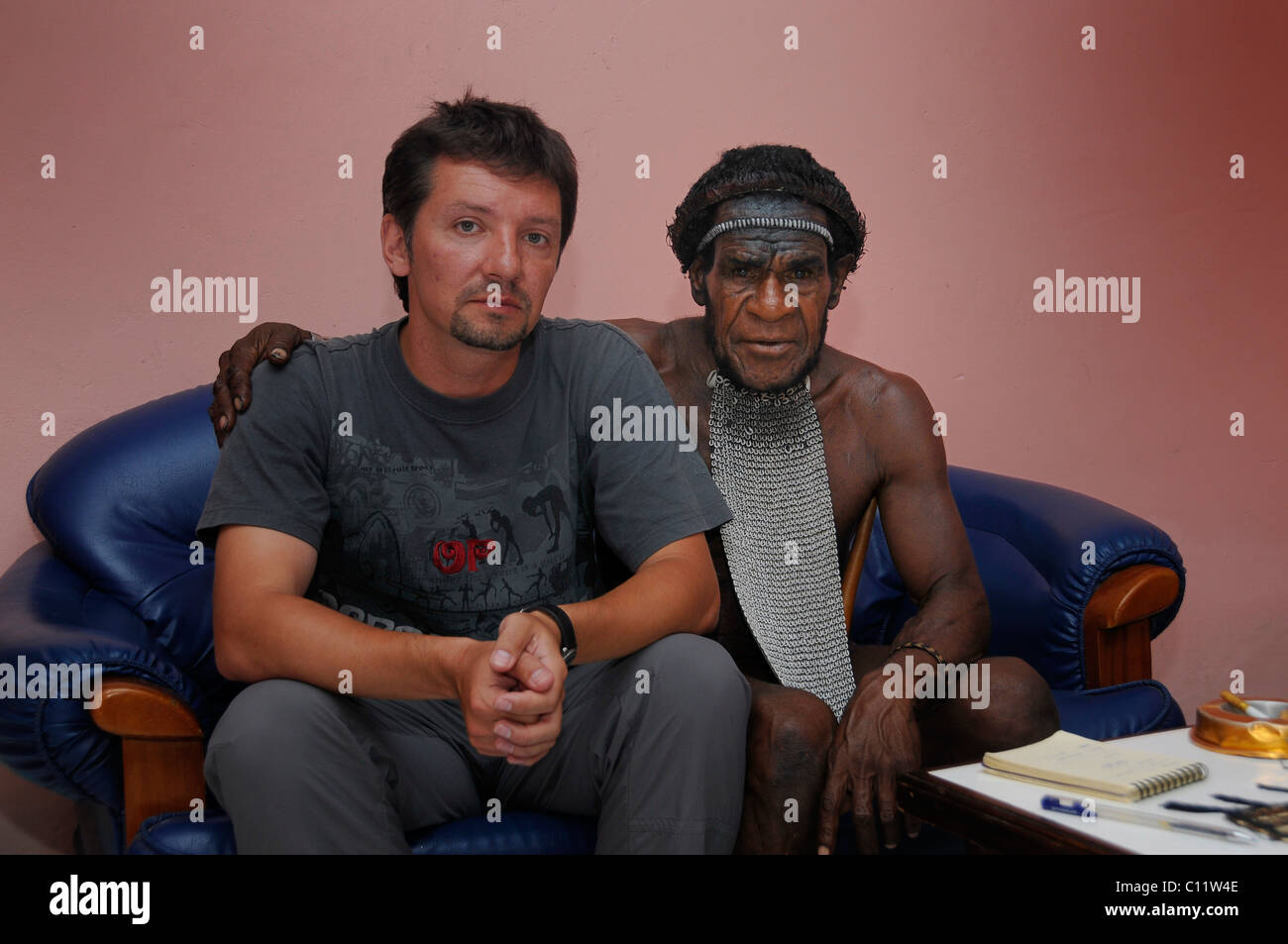 Dani, Big Man of a tribe in negotiations with a European man, Irian Jaya or West Papua, New Guinea, Indonesia, Southeast Stock Photo