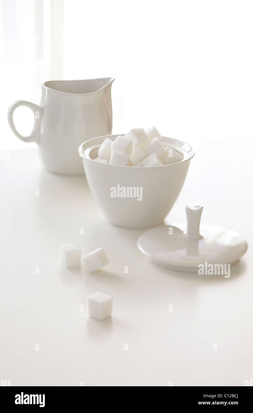creamer and sugar white coffee tea sugar lump - Stock Image