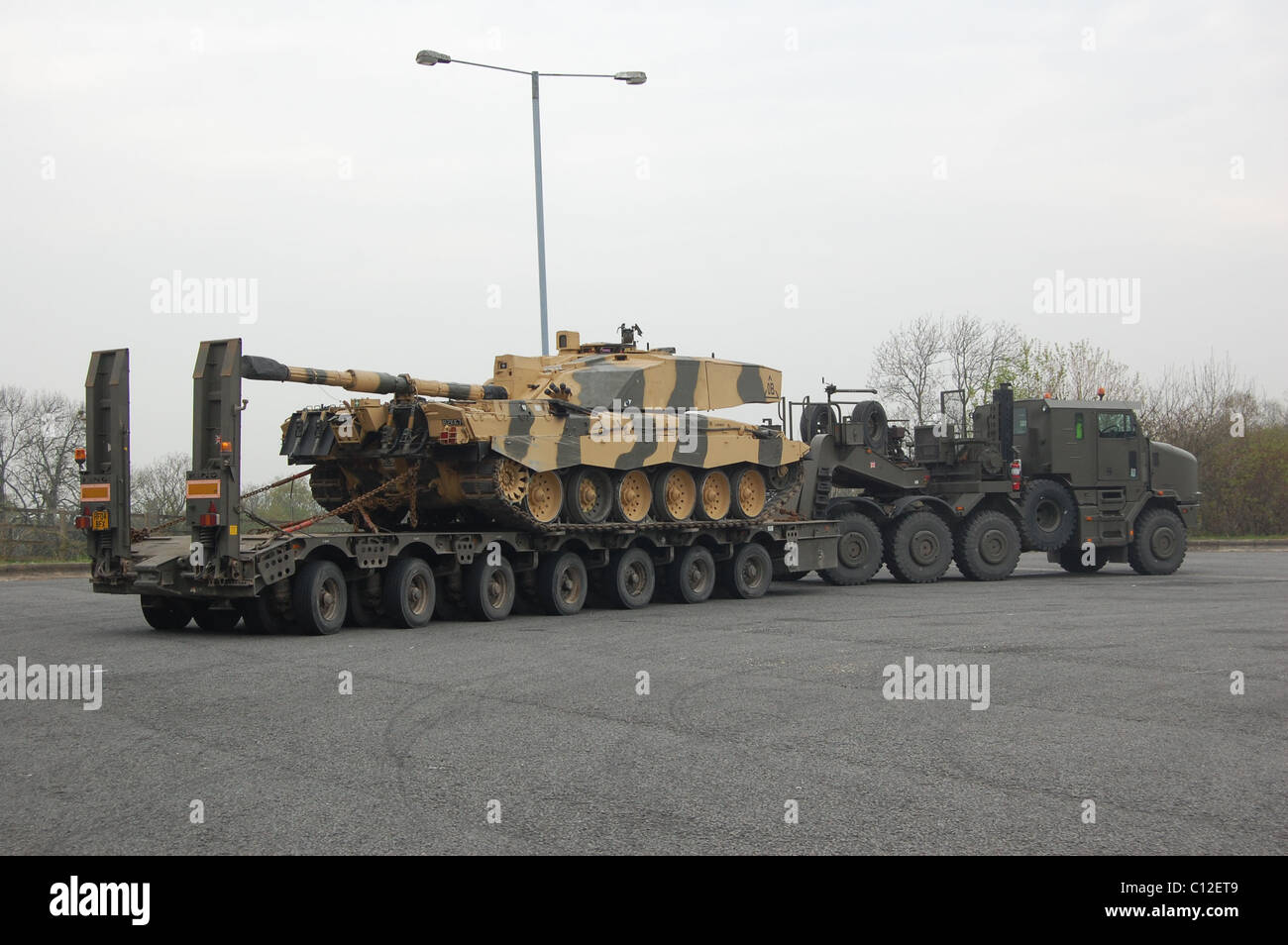 Self Propelled Cart >> The Heavy Equipment Transport System (HETS) is a military logistics Stock Photo: 35090953 - Alamy