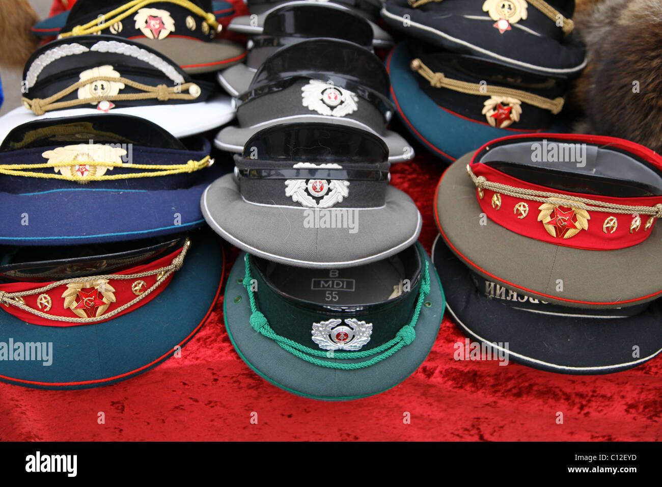 93106cba8d824 Army Hat Stock Photos & Army Hat Stock Images - Alamy