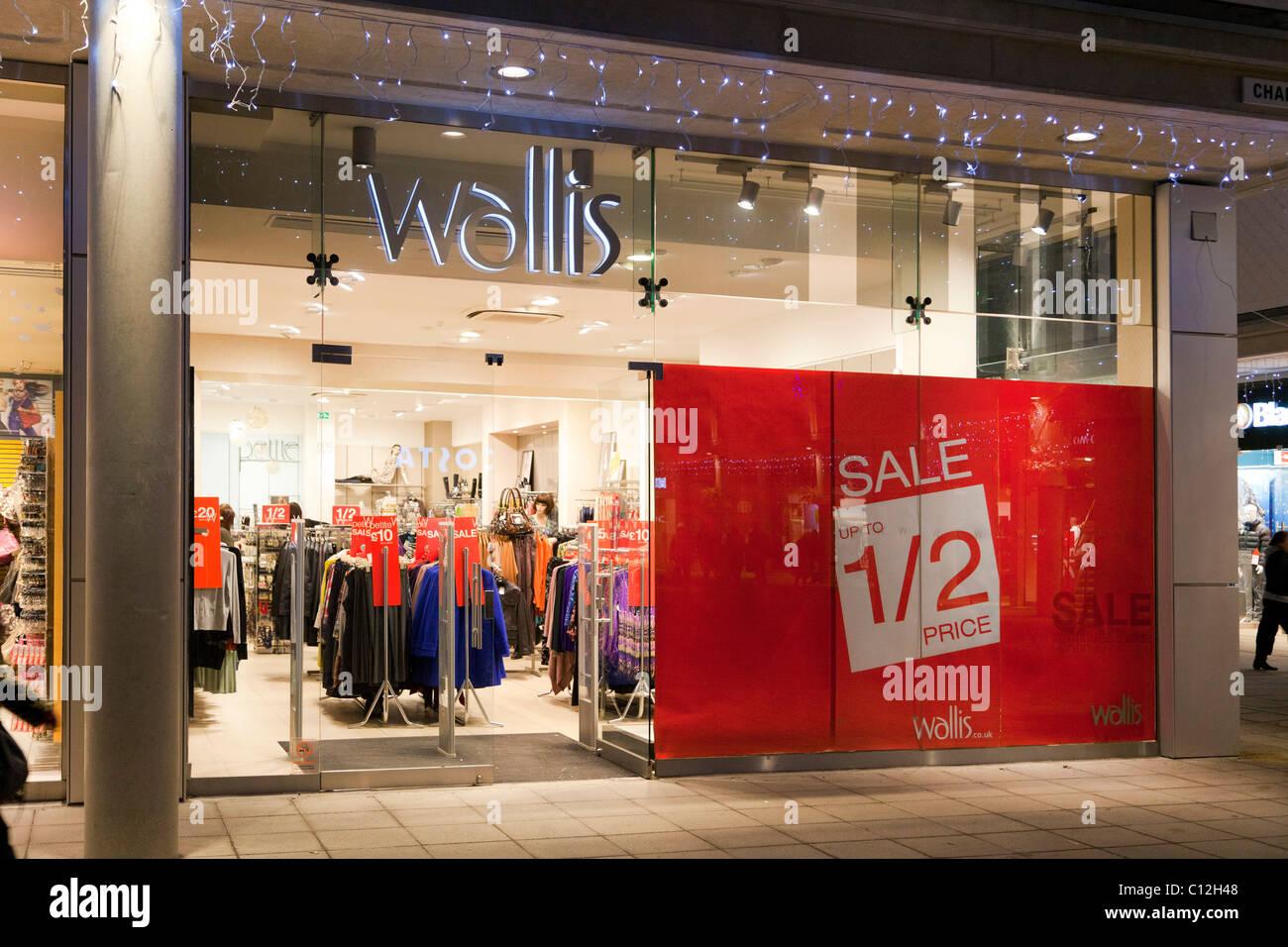 sales at  Wallis clothing store in UK - Stock Image