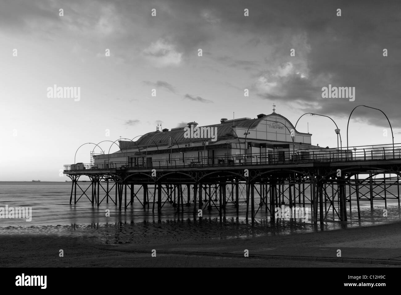 Cleethorpes Pier (slow exposure, monochrome), North East Lincolnshire Feb 2011 - Stock Image