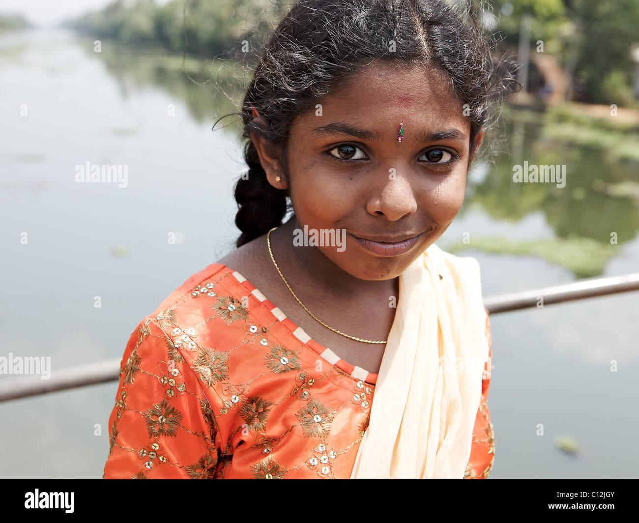 Teens arsch Wkerala junges Mädchen nackt