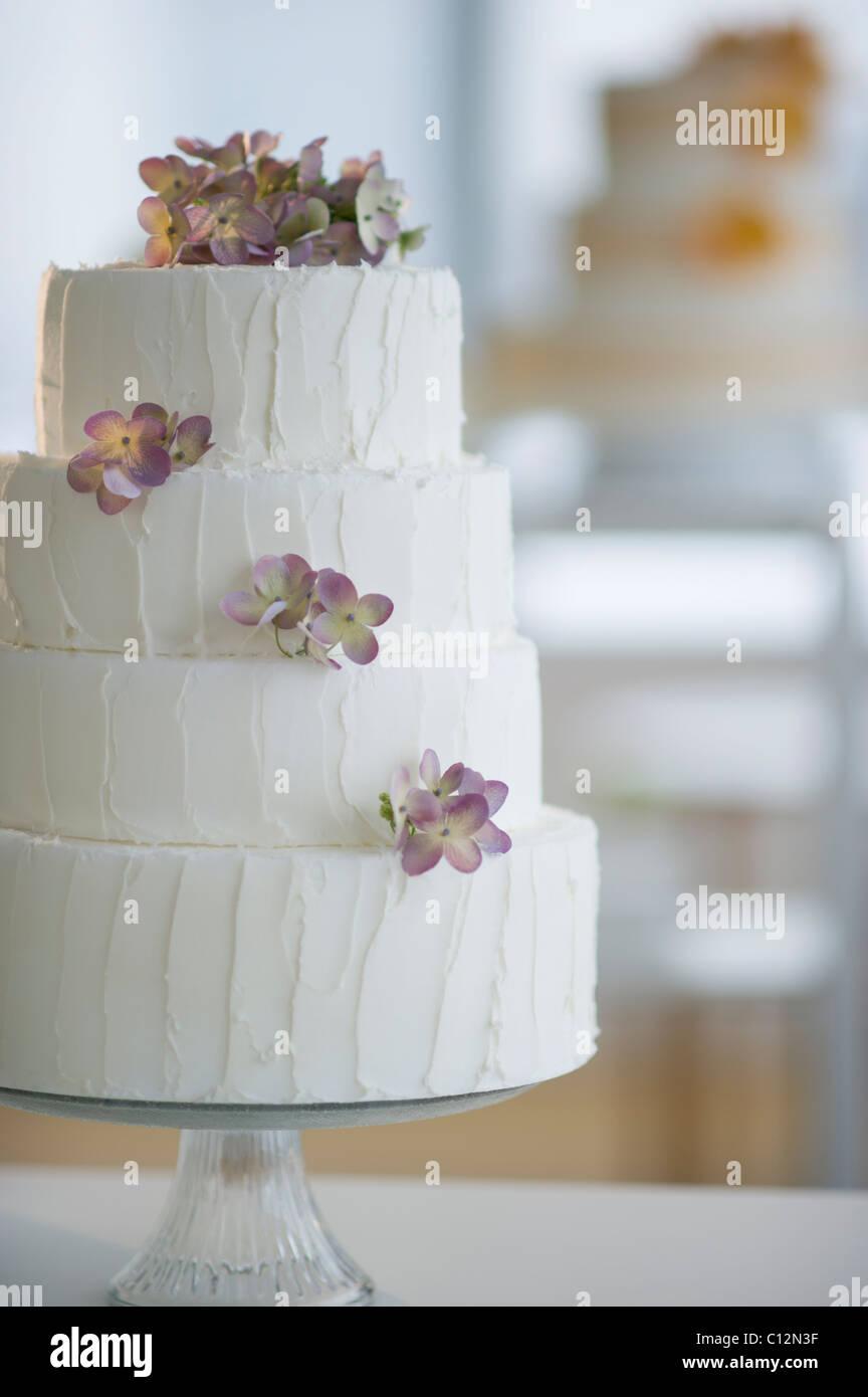 USA, New Jersey, Jersey City, Wedding cake on cake stand Stock Photo ...