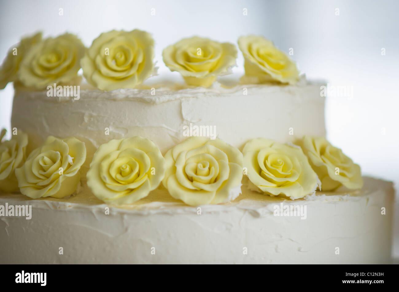 USA, New Jersey, Jersey City, Close-up on wedding cake decorated ...