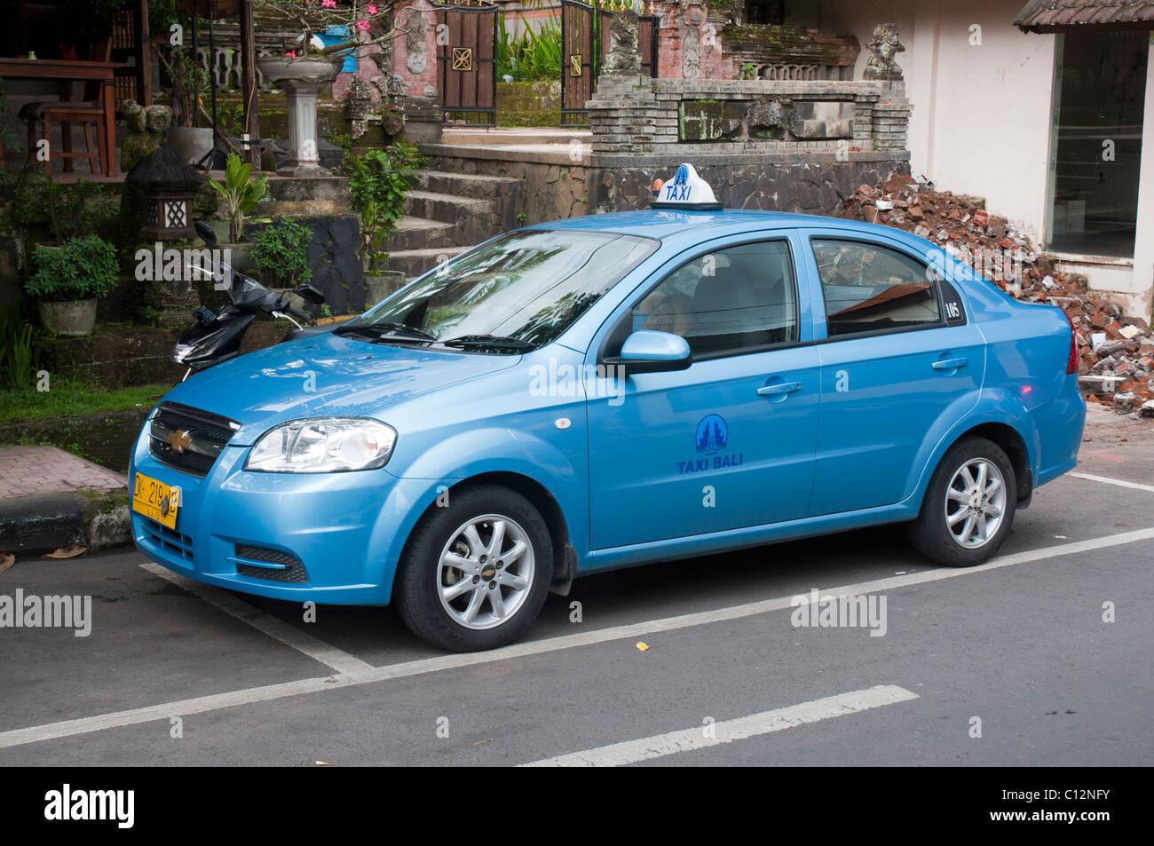 Bluebird taxi in Ubud Bali Indonesia Stock Photo: 35096207 ...