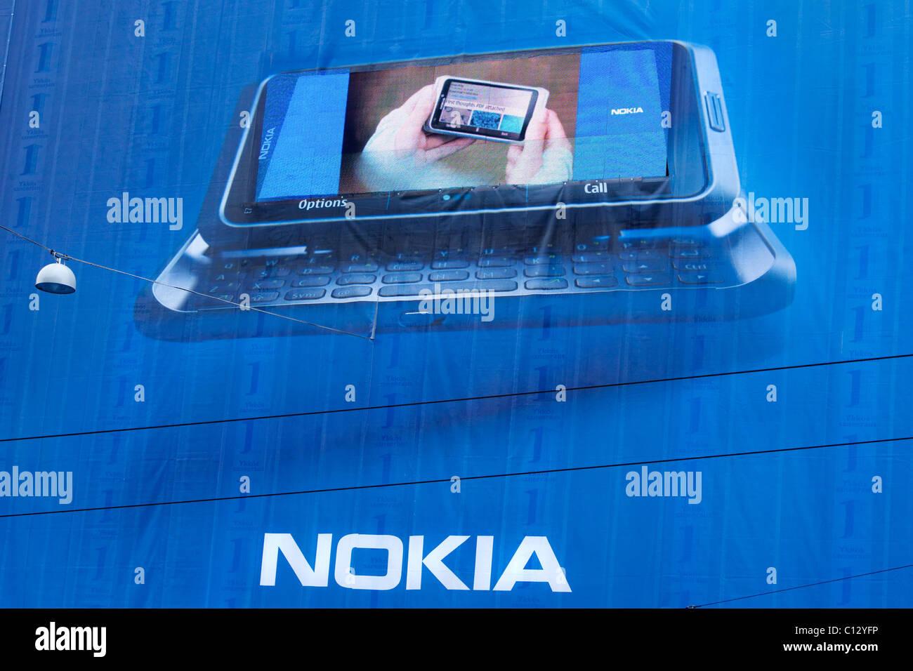 Nokia e7 - smartphone ad in Helsinki - Stock Image
