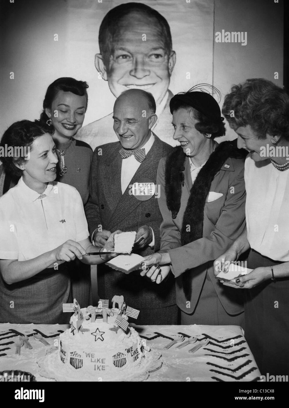 US Elections. From left: Alabama director of women's GOP activities Pearle H. Wates, Betty Davidson, Alabama - Stock Image