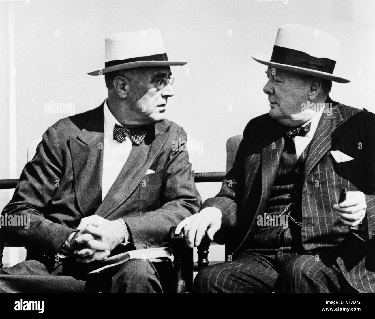 Photo] US President Harry Truman, Secretary of State James Byrnes ...
