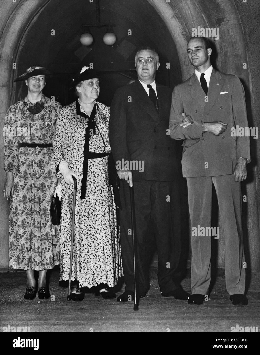 FDR Presidency. From left: Sar...