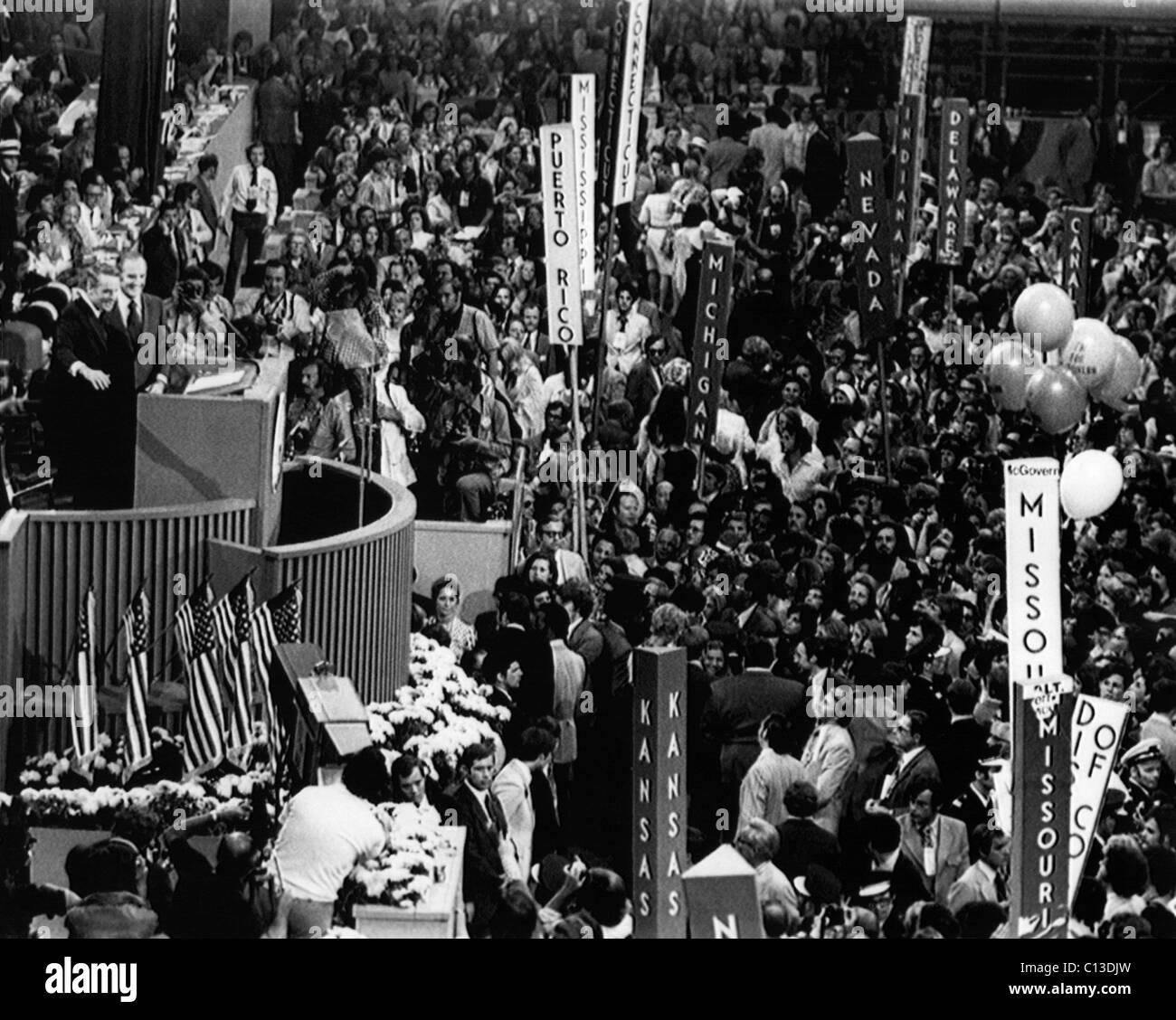 US Elections. At podium, from left: US Senator Thomas Eagleton and US Senator George McGovern accept the nominations - Stock Image