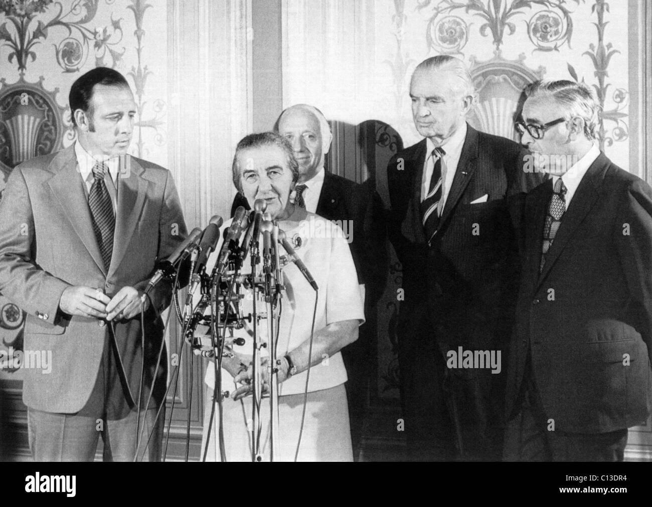Israeli Prime Minister Golda Meir at a press conference after assuring US Senators that Israel neither wanted nor - Stock Image