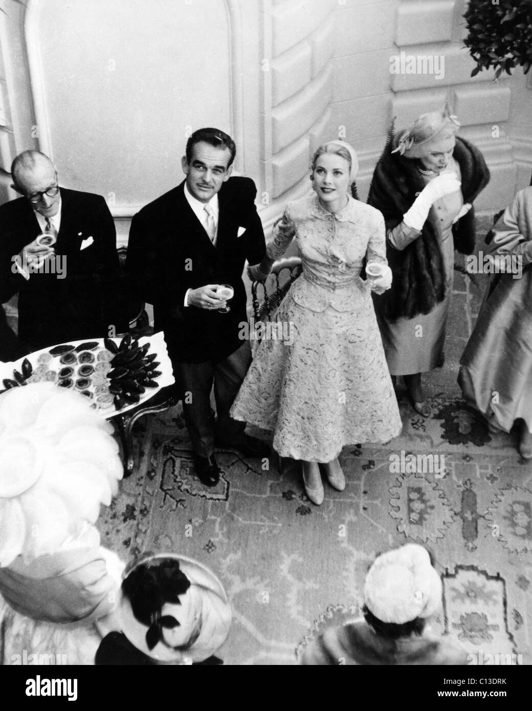 PRINCE RAINIER and PRINCESS GRACE at their wedding, 1956 - Stock Image