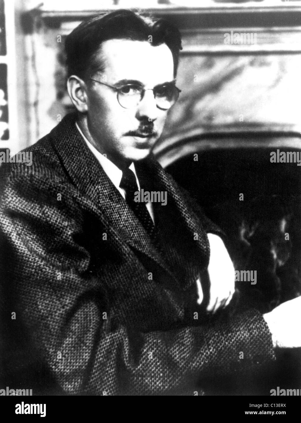 Writer/author JAMES THURBER, c. late 1930s-early 1940s Stock Photo