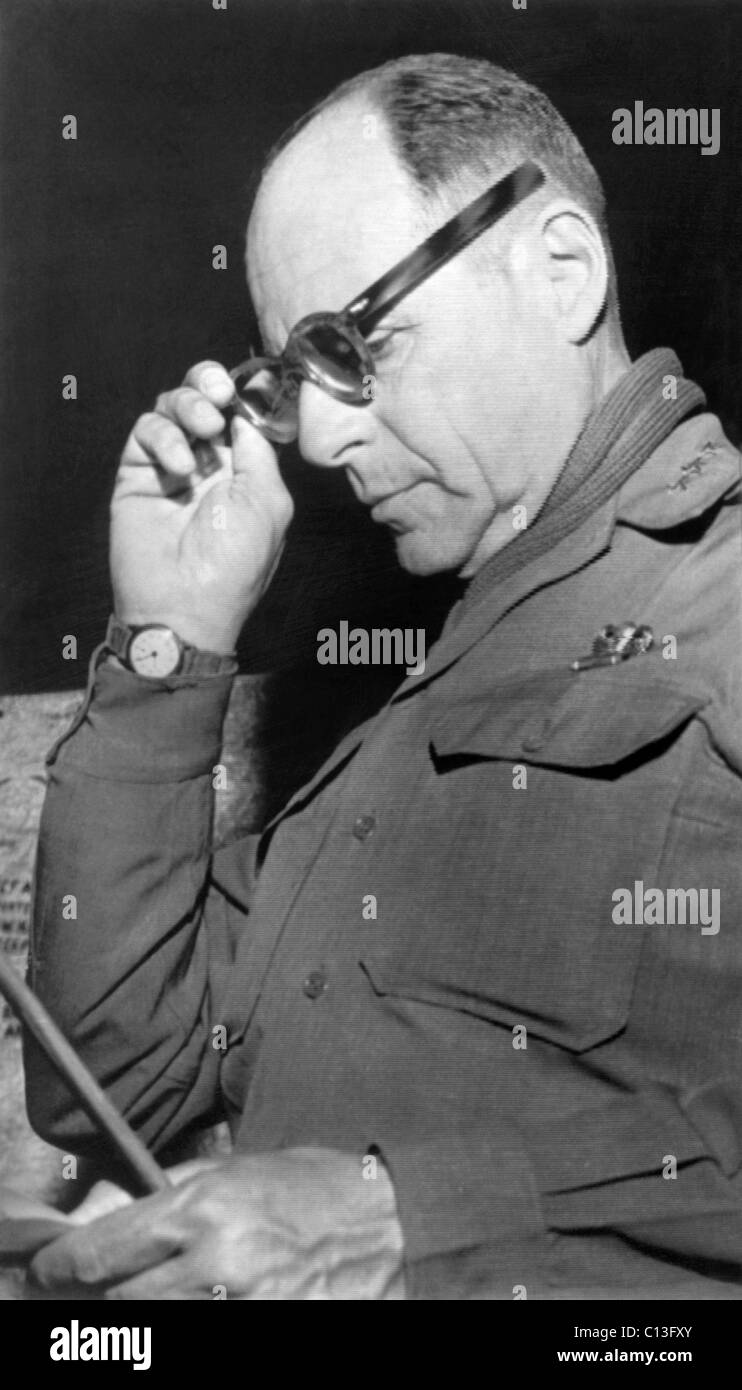 General Matthew Ridgway, commander of UN and US forces in Korea, 1951 - Stock Image