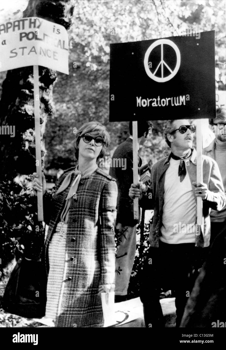 JOANNE WOODWARD and PAUL NEWMAN protest the Vietnam war, 1969 - Stock Image