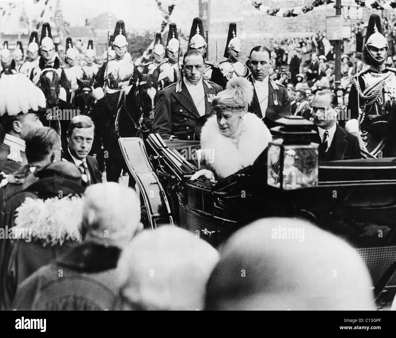 British Royalty. Left, outside coach: Prince Edward of Wales, (future Duke of Windsor). From left, inside coach: - Stock Image