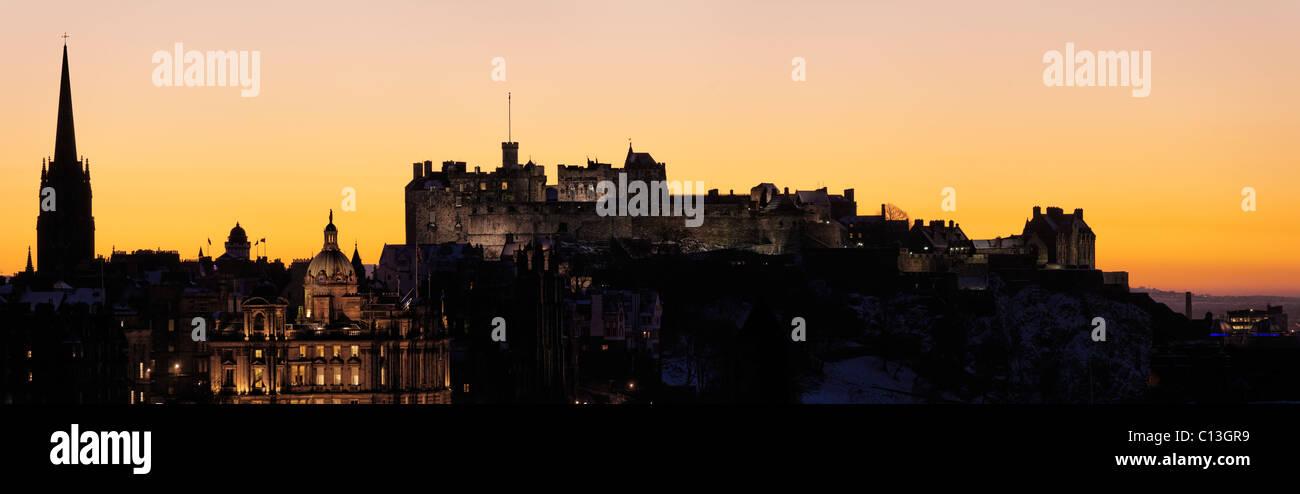 Edinburgh Castle and the Bank of Scotland HQ, Edinburgh, Scotland, UK. - Stock Image