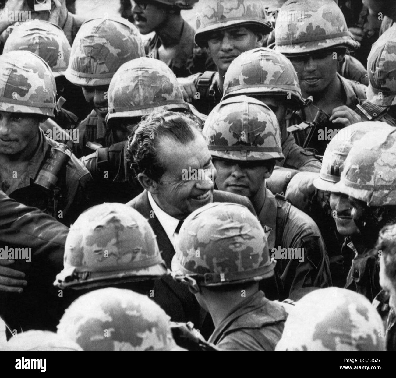 Vietnam War President Nixon Visits Troops PHOTO 1st Infantry Division US Army 69