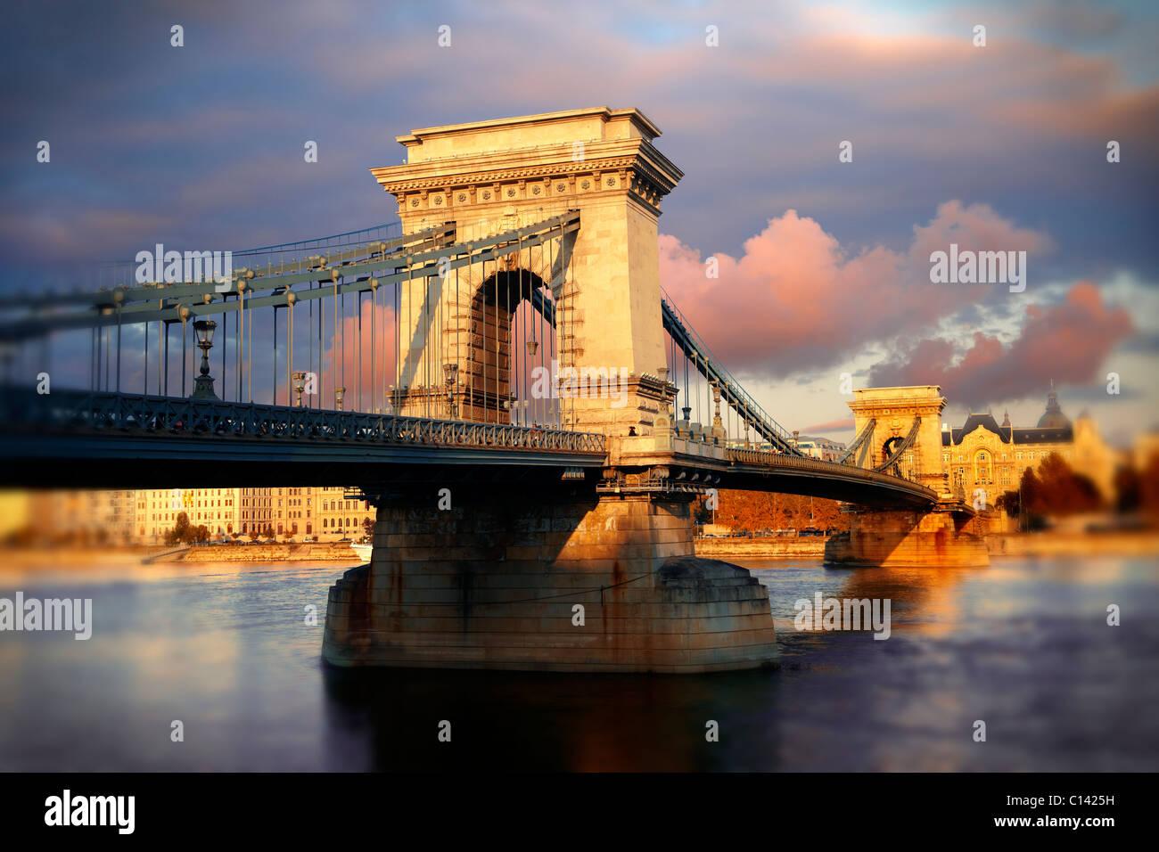 Szecheni Lanchid ( Chain Bridge ). Suspension bridge over the Danube between Buda & Pest. Budapest Hungary - Stock Image