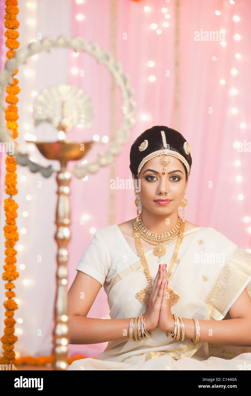 Indian Bride Oil Lamp Stock Photos & Indian Bride Oil Lamp Stock ...
