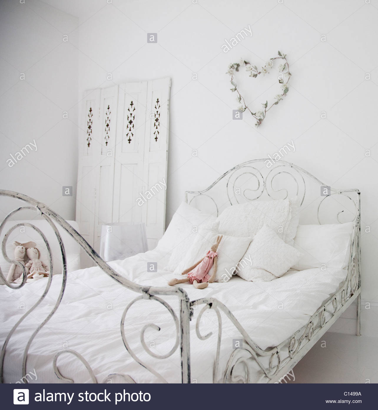 Vintage Bed Stock Photos & Vintage Bed Stock Images - Alamy