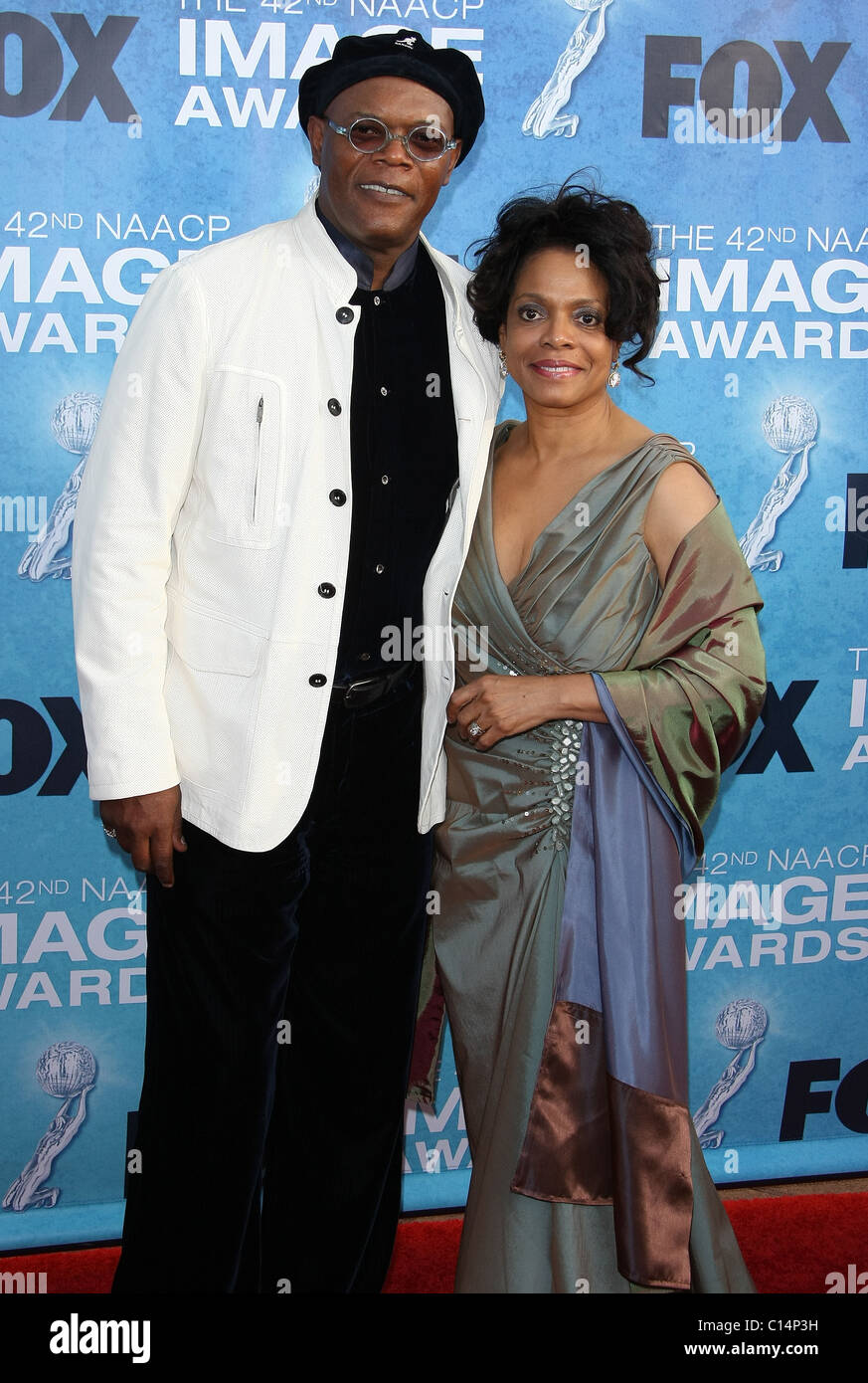 SAMUEL L. JACKSON GUEST 42ND NAACP IMAGE AWARDS ARRIVALS DOWNTOWN LOS ANGELES CALIFORNIA USA 04 March 2011 - Stock Image