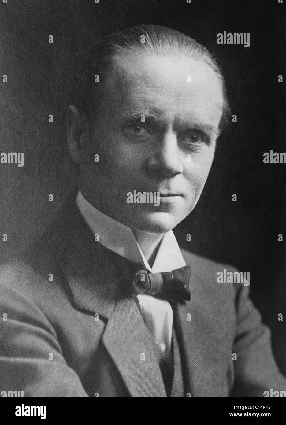British journalist, author, lecturer and Labour Party MP Sir Norman Angell (1872 - 1967) - winner of the 1933 Nobel - Stock Image