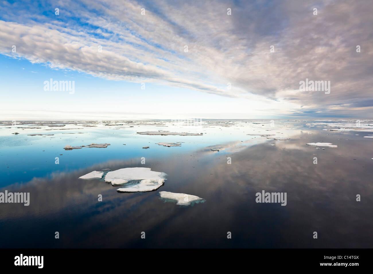 Pack ice in Barrow Strait, Qikiqtaaluk Region, Nunavut, Canada. - Stock Image