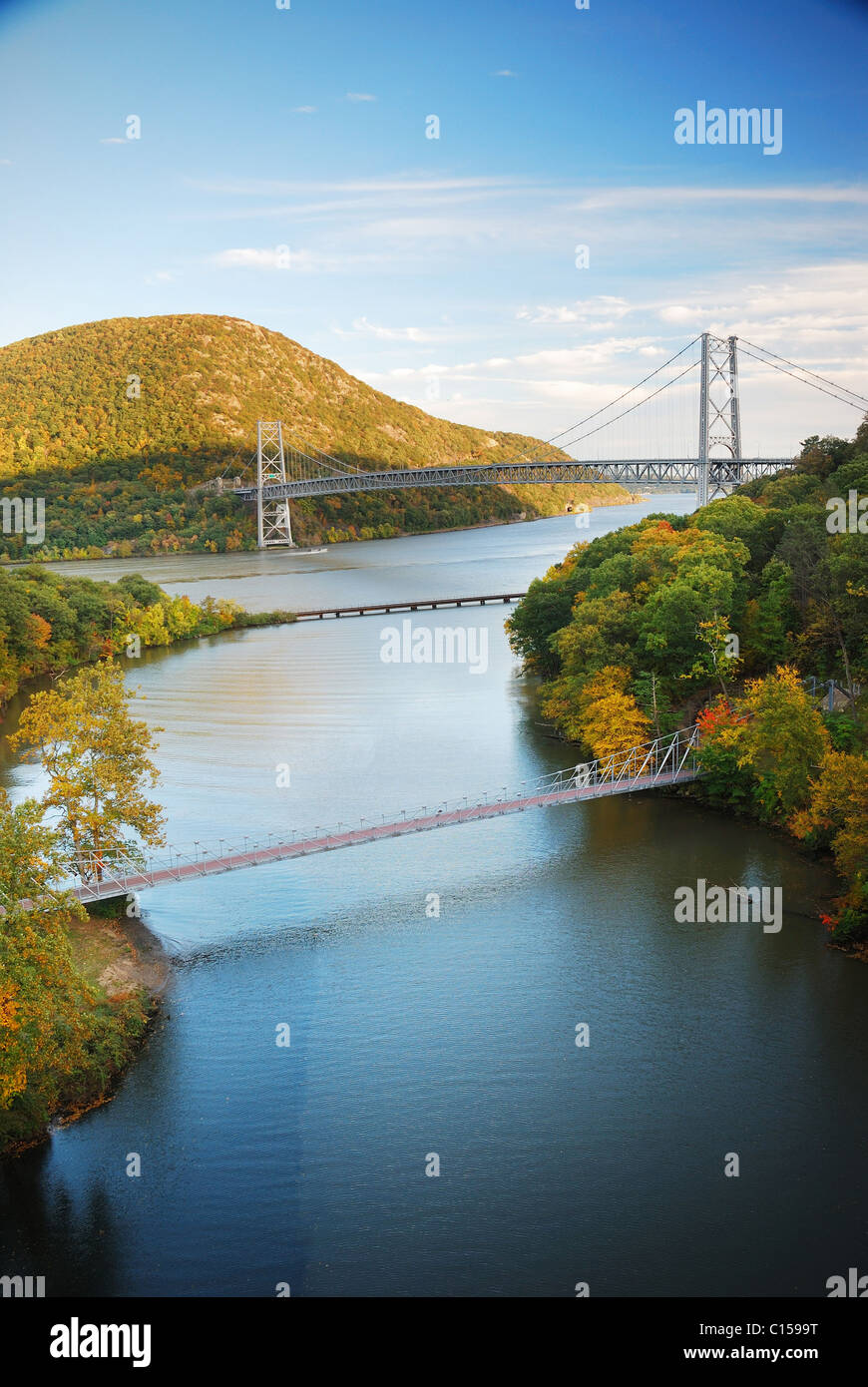 Hudson River valley in Autumn with colorful mountain and Bridge over Hudson River. - Stock Image
