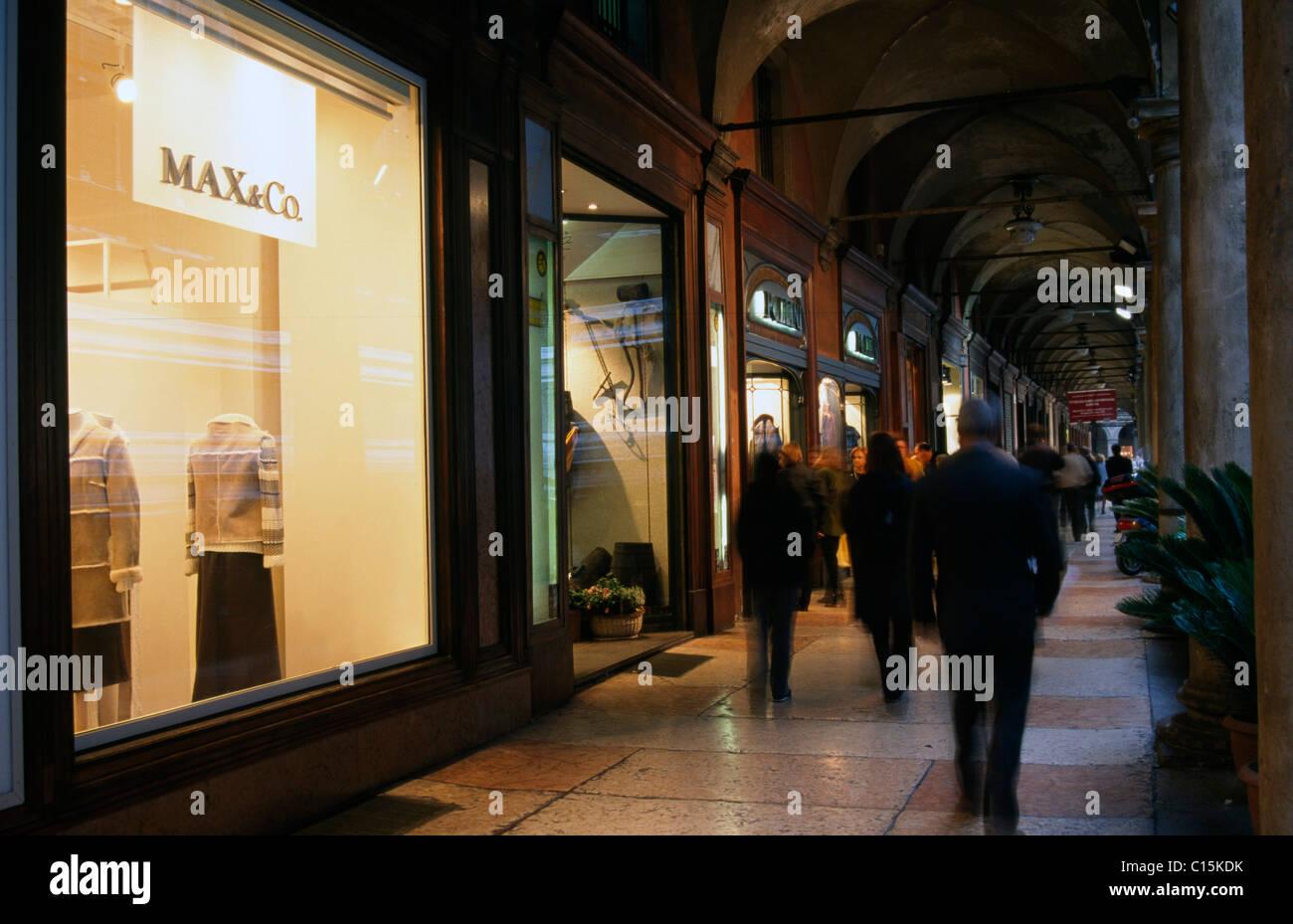 Boutiques, shopping, Bologna, Emilia-Romagna, Italy - Stock Image