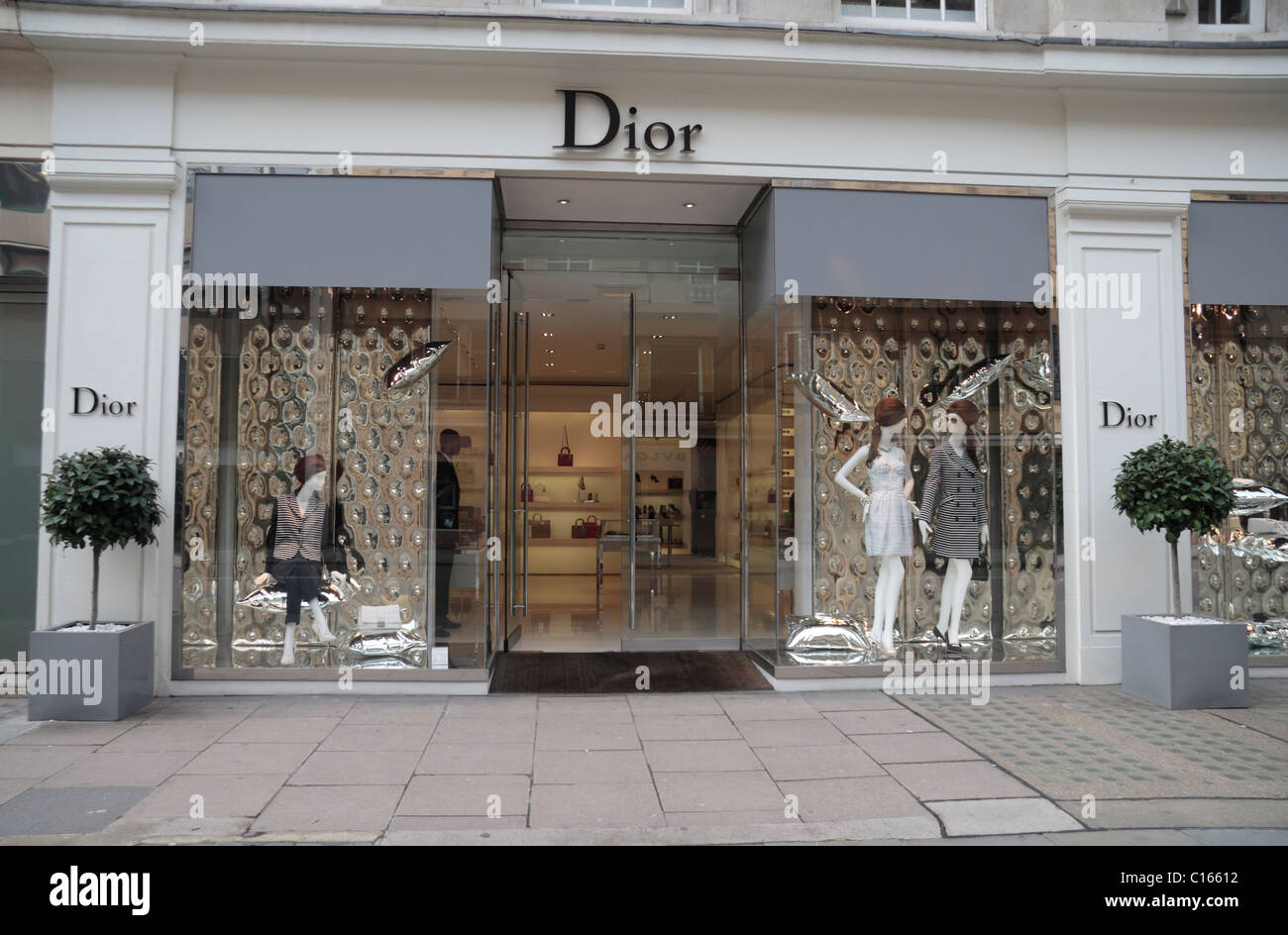 048b92304050 The Christian Dior fashion shop on Sloane Street