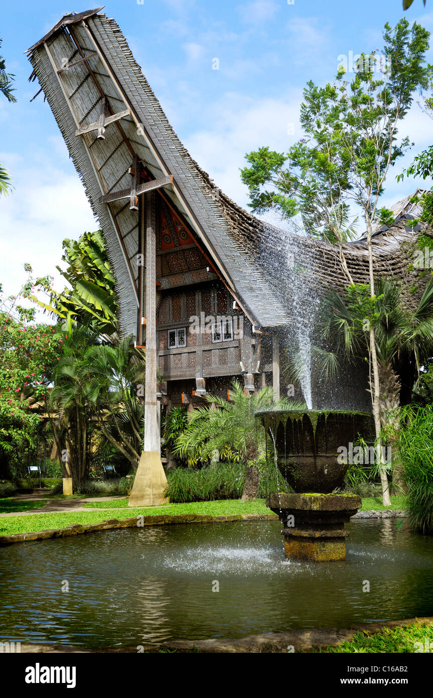 Typical Indonesian house in a bird park near Ubud, Bali, Indonesia - Stock Image