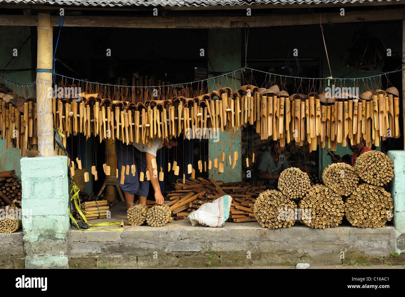 Production of bamboo chimes near Ubud, Bali, Indonesia - Stock Image