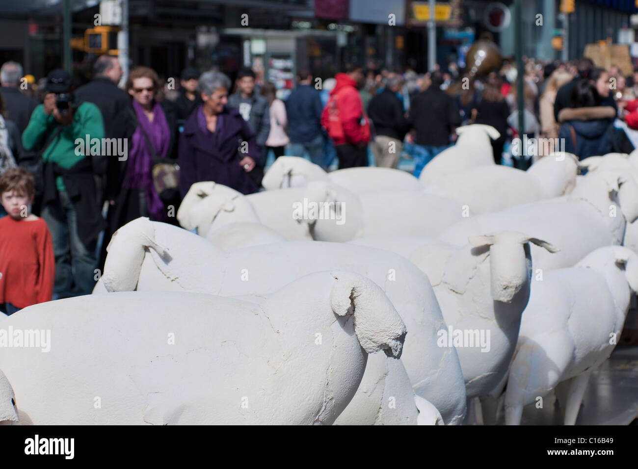 'Counting Sheep' by the artist Kyu Seok Oh in Times Square in New York - Stock Image