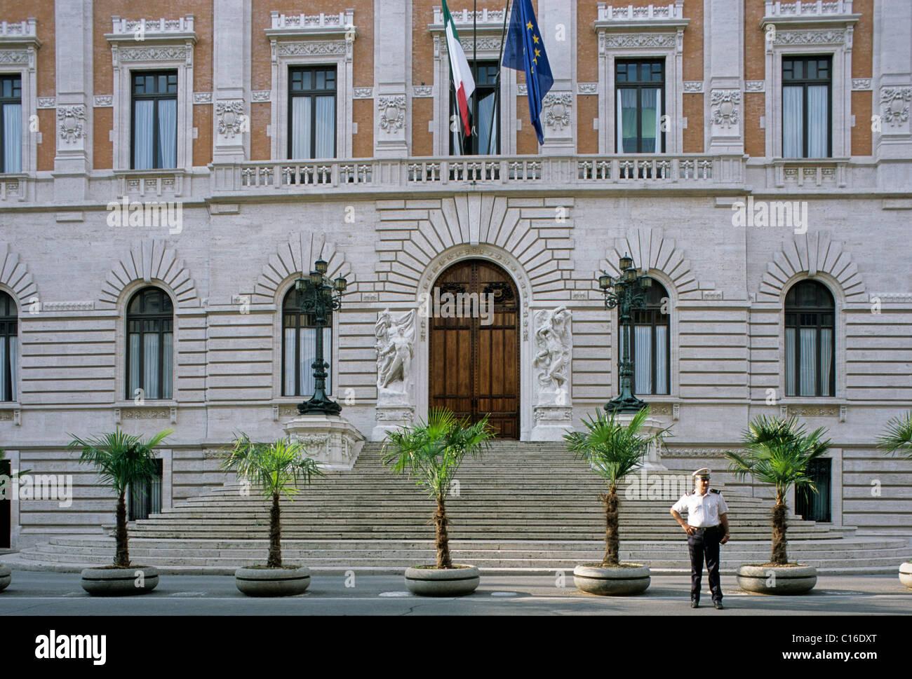 Montecitorio stock photos montecitorio stock images alamy for Parlamento montecitorio