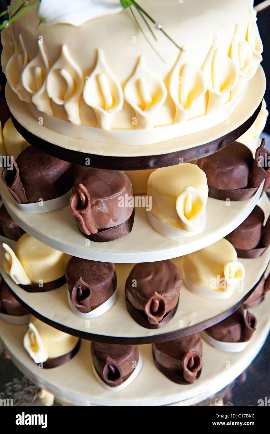 Chocolate And Vanilla Wedding Cake Stock Photo 35198224 Alamy