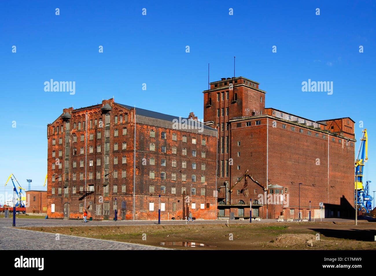 Historic storehouses in the old harbour, Hanseatic City of Wismar, UNESCO World Heritage Site, Mecklenburg-Western - Stock Image